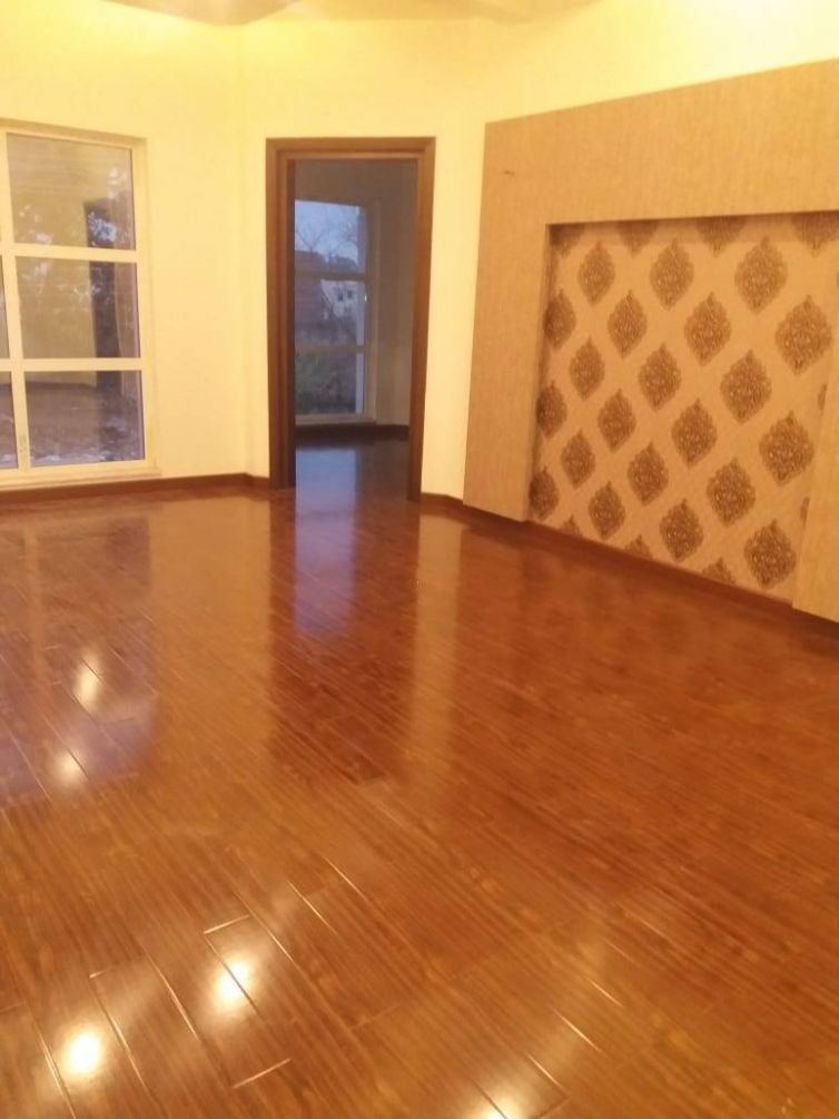 Client Diaries: 8mm Glossy Floor